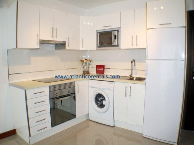 Ground Floor - 2 Bedrooms - Air Con - Front Line